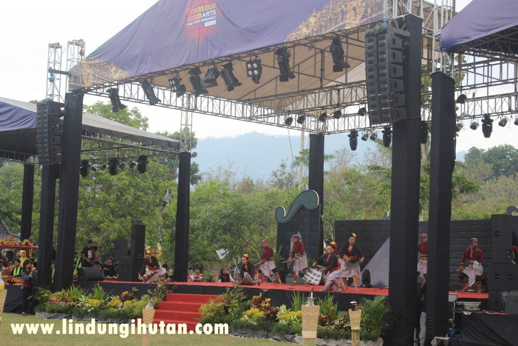 Keseruan Borobudur Internasional Art and Performance Festival 2018