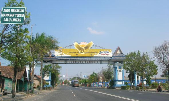 Gerbang Selamat Datang di Kota Rembang