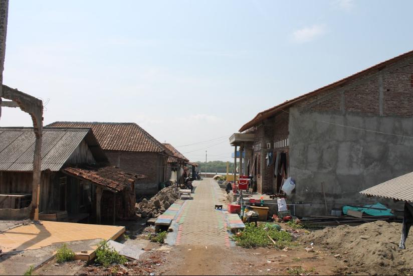 Maraknya Pemukiman di Pesisir Membuat Abrasi Pantai semakin Parah