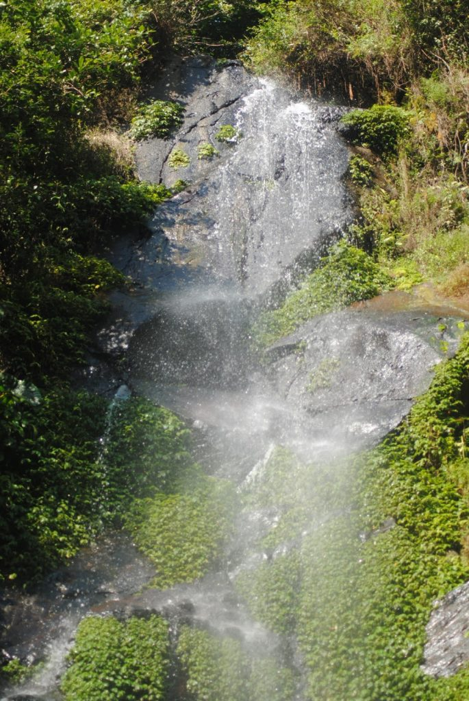 Air Terjun di Bukit Sigandul