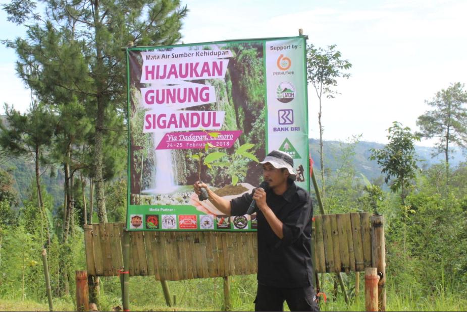 Sambutan dari Edi Sucahyo, Direktur PDAM Tirta Mudal