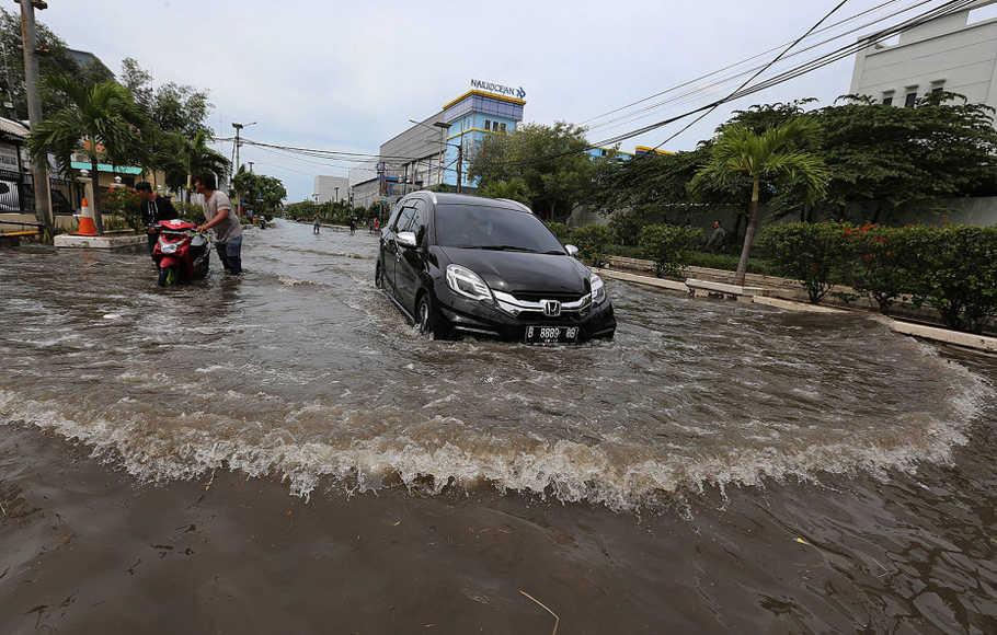 Faktor yang Menyebabkan Terjadinya Banjir Rob