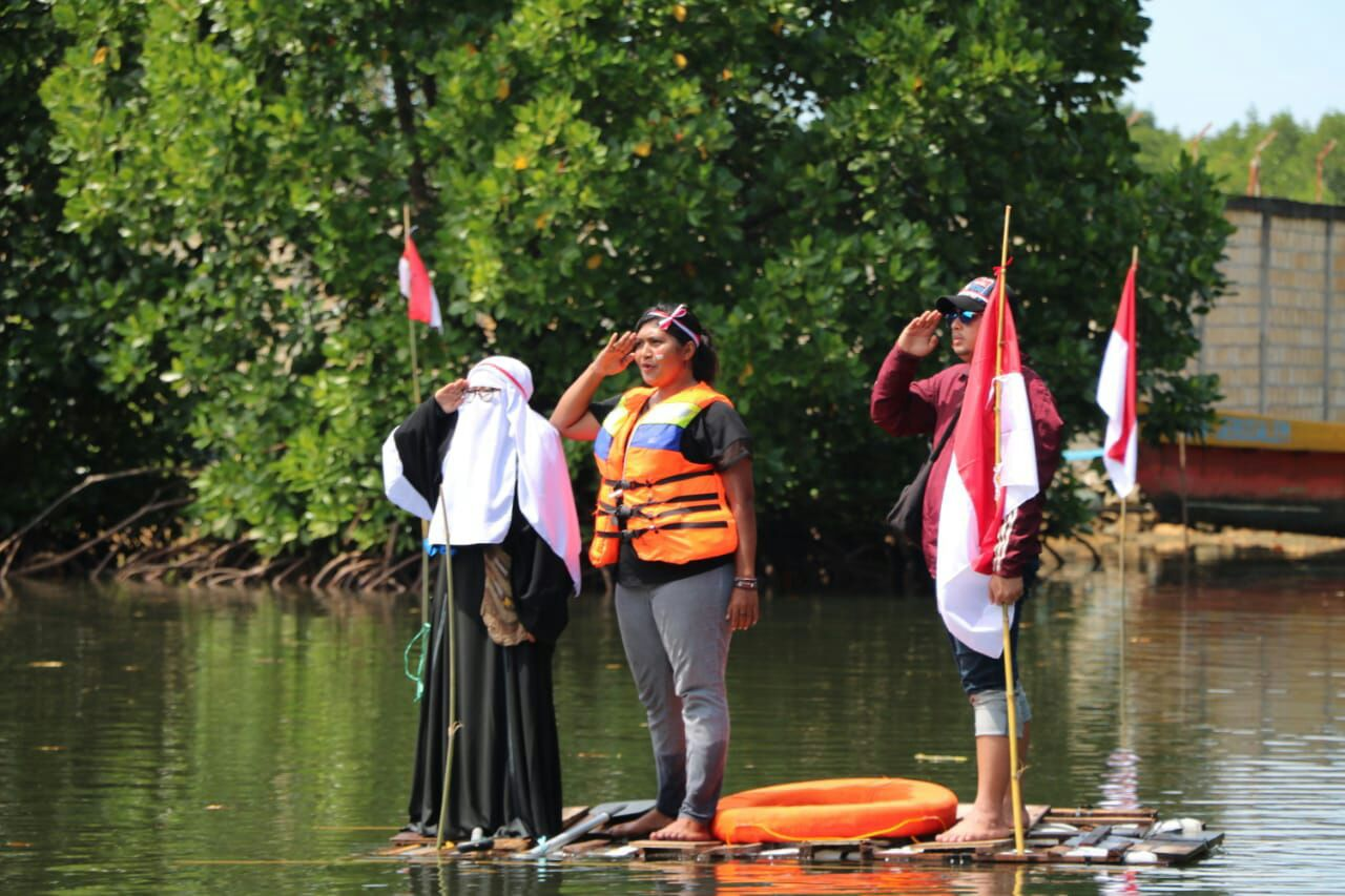 Relawan LindungiHutan Jayapura dan FKJ Adakan Upacara 17an Pertama Kalinya Di Mangrove Papua