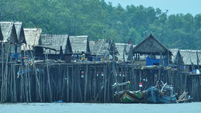 Perkampungan Penduduk yang Dibangun di Atas Rawa