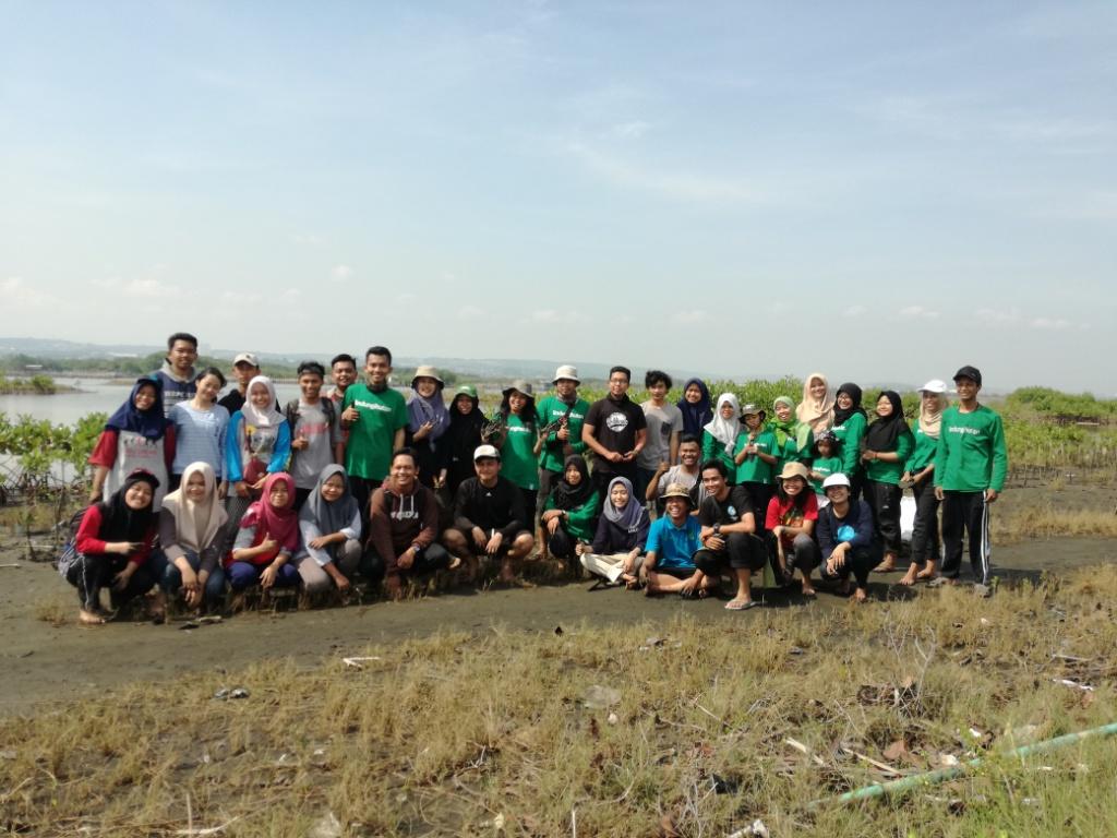 Pohon Dari Relawan LindungiHutan Semarang Untuk Tirang Yang Hilang