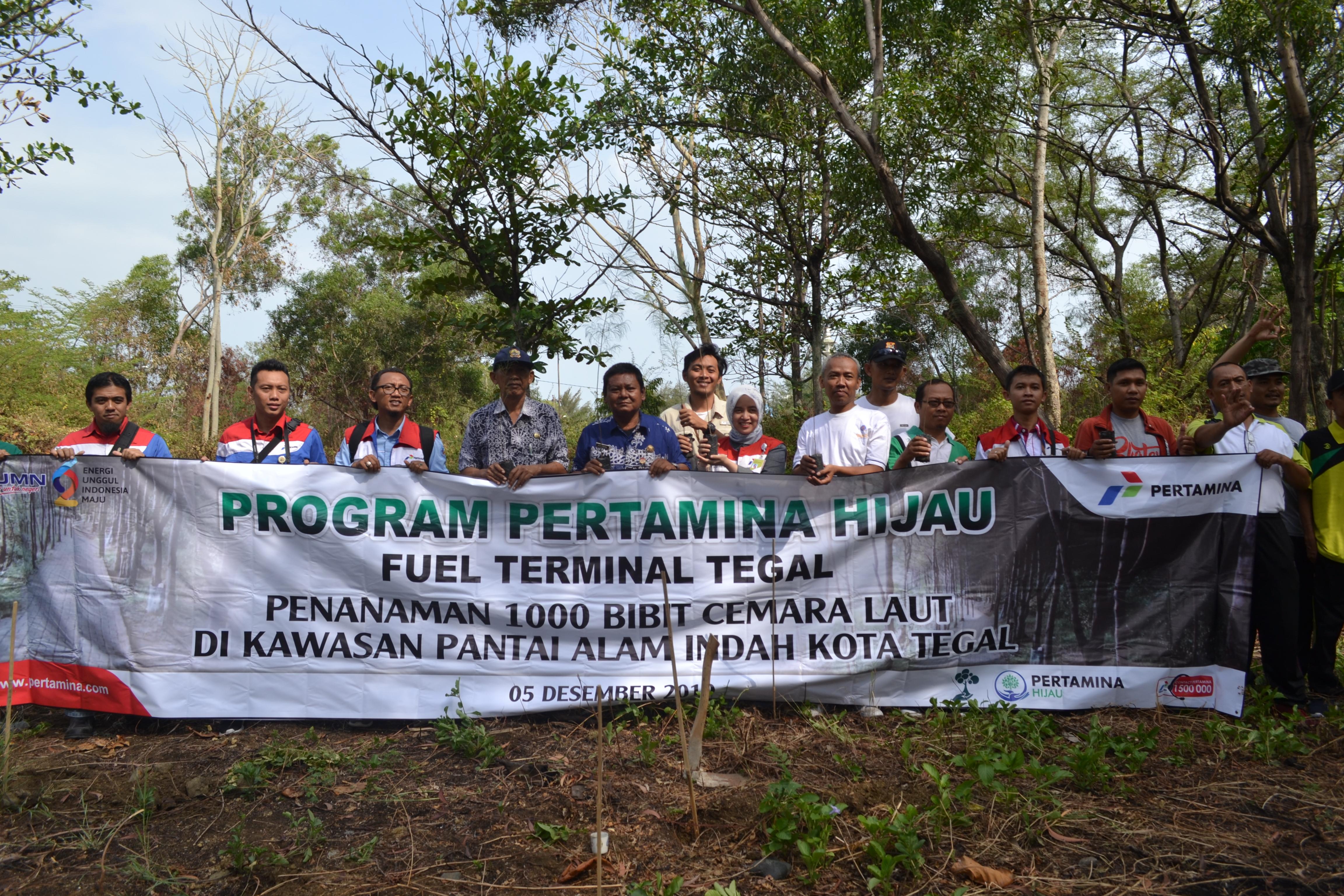 TBBM Pertamina Tegal bersama DLH Kota Tegal dan Dinas Pariwisata Kota Tegal sebagai rangkaian aksi program pertamina hijau