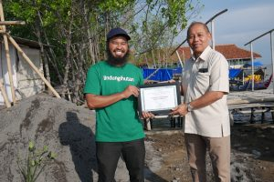 Bintraco Dharma untuk 1.500 Pohon kepada Alam